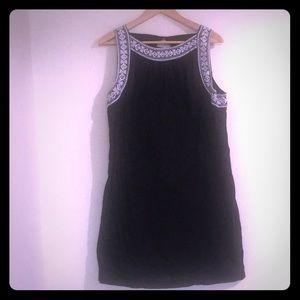 BEAUTIFUL BLACK WITH WHITE DETAILING SHIFT DRESS